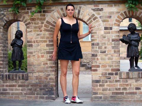 Caroline - tallest woman